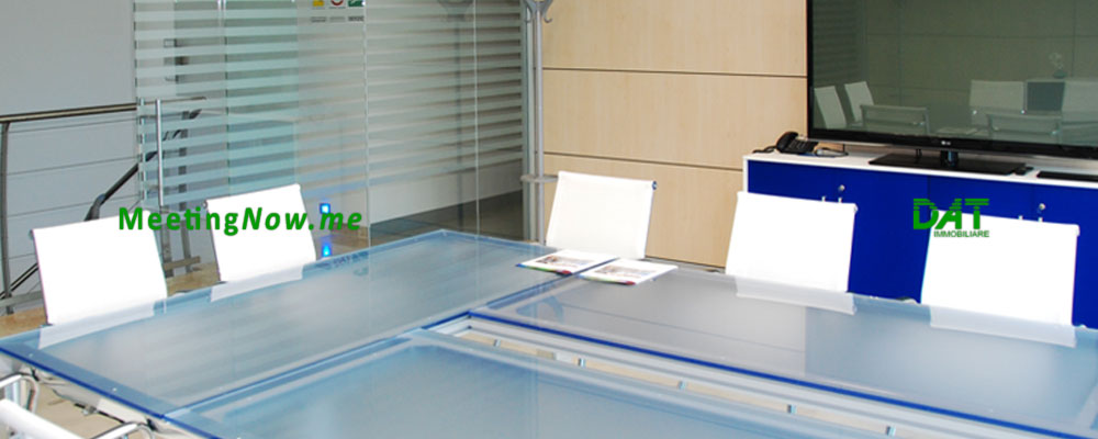 MeetingNow meeting room Milan Cairate Varese Malpensa, Cassano Magnago, Gallarate, Italy, Crystal table, maxi tv hdmi monitor vga