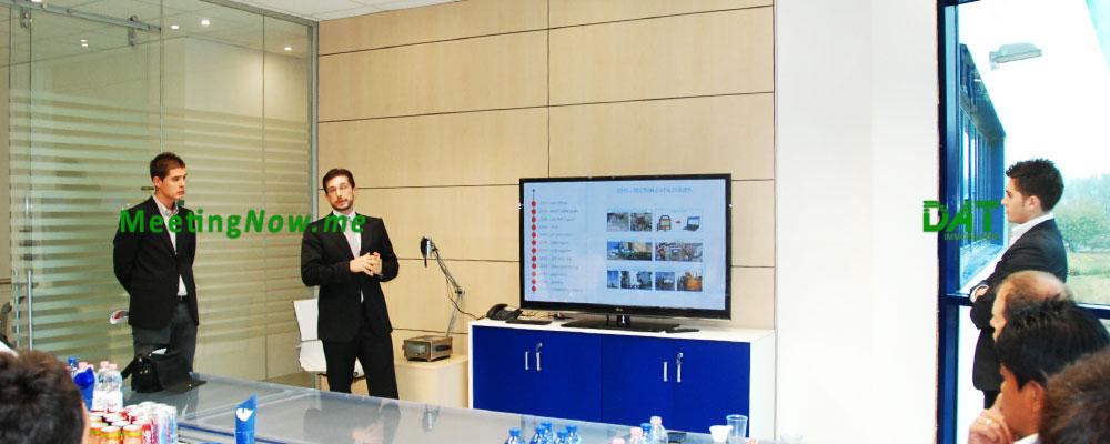 MeetingNow sala riunione conferenza corso di formazione aula Cassano Magnago Gallarate Busto Arsizio Cairate Varese, presentazione slides schermo hdmi vga