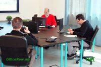 Uffici Arredati, Affitto Ufficio, OfficeNow, business center, Malpensa, Cairate, Varese, Gallarate, Busto Arsizio. Gli uffici sono già arredati, con scrivanie, sedie, cassettiere, ante a parete per archivio.
