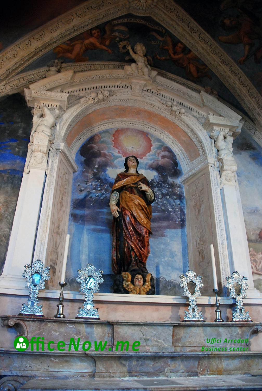 OfficeNow business center, uffici arredati, Eremo Santa Caterina del Sasso, cappella di Santa Caterina con statua lignea